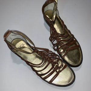 Circa Joan and David Strappy Brown Sandals 8 1/2